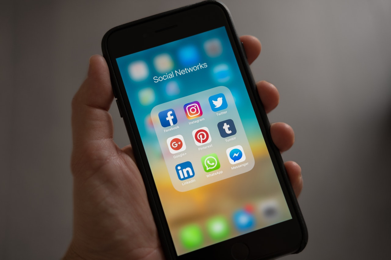 How Using Social Media Can Improve Your Job Prospects
